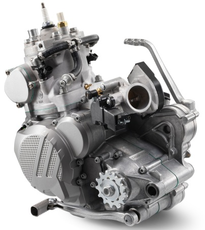 176957_KTM-XC-W-TPI-Engine-MY-2018-studio