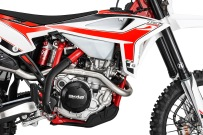 BETA_MY2020_4T_Engine_chassis_RHS_Enduro21_